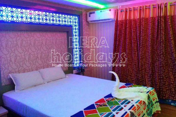 7-bedroom-houseboat-kera-14