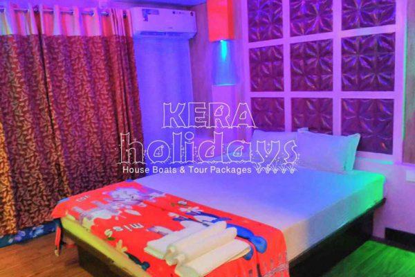 7-bedroom-houseboat-kera-7