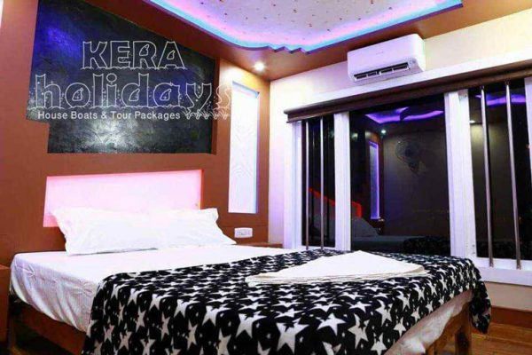8-bedroom-houseboat-kera-11