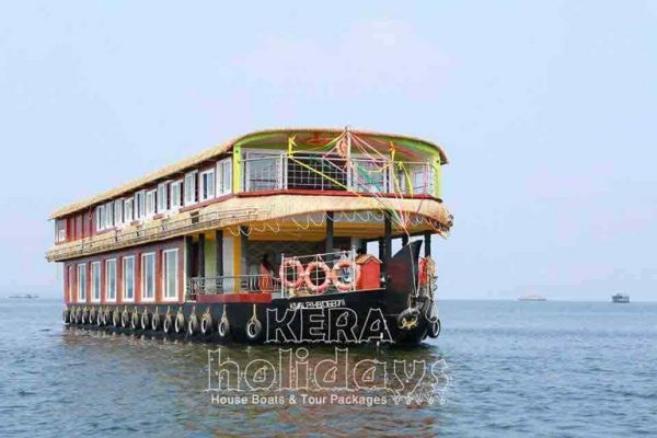 8-bedroom-houseboat-kera-19