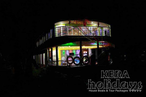 8-bedroom-houseboat-kera-2