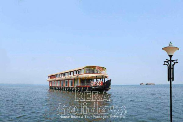 8-bedroom-houseboat-kera-3